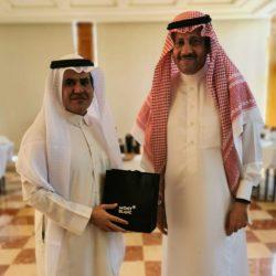 أكاديميون يمنيون يتوجهون بالشكر لدولة رئيس الوزراء معين عبدالملك ومدير مكتبه باحارثه لانصافهم