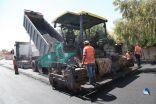 """""""رئيس بلدية القريات """" يتفقد عدد من الشوارع الجارى صيانتها"""