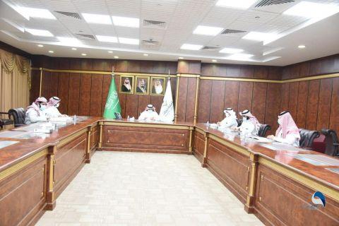 اجتماع اللجنة العليا بجامعة نجران لمتابعة العودة حضورية آمنة