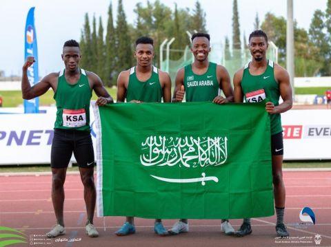 لاعبو المنتخب السعودي من (الهلال – والشباب – وطبرجل.) يحققون الذهبية في البطولة العربية لألعاب القوى بتونس