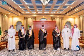 سمو أمير الجوف يستقبل رئيس جمعية الإسكان التنموي بطبرجل ويدشن الحساب الرسمي