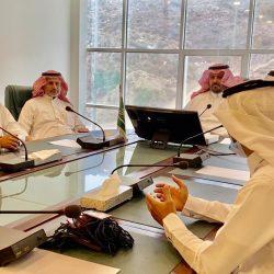 سمو أمير تبوك يستقبل المدير العام لفرع وزارة الموارد البشرية والتنمية الاجتماعية بالمنطقة