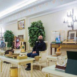 سمو وزير الخارجية يتلقى اتصالًا هاتفيًا من وزير الخارجية العُماني